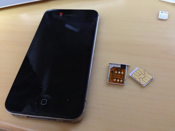 iPhone4Sとgevey ultraSと解除SIM