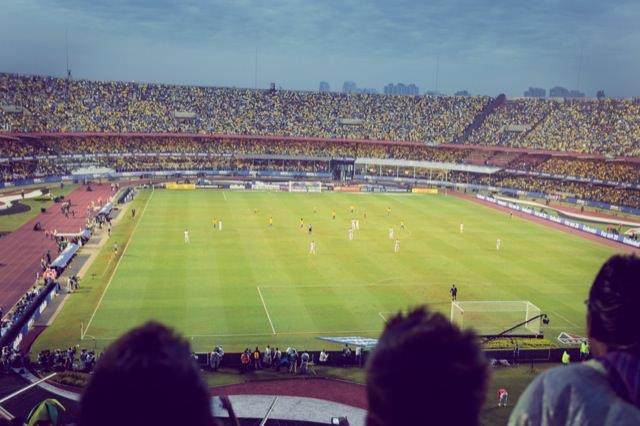 超満員のスタジアム