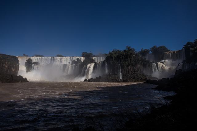 アルゼンチン側プエルト・イグアスの滝