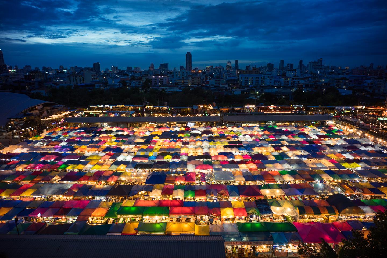 The New Rot Fai Market Ratchada