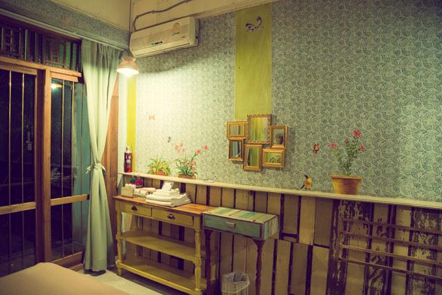 客室は1部屋ずつ違うアートワークが描かれています。