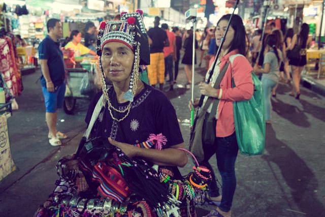 タイ山岳民族の雑貨の売り子