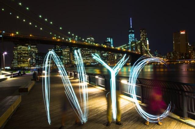 Brooklyn BridgeでNYCの文字を書いてみました