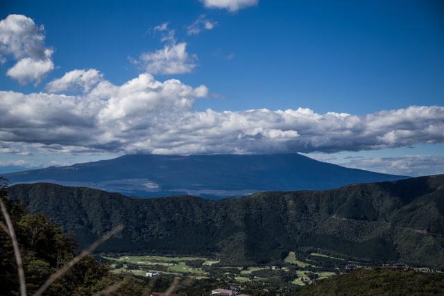 大涌谷から望む富士山、、、雲がかかってました。。。