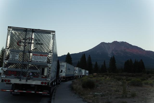 ポートランドへの道はやたらトラックが多かった
