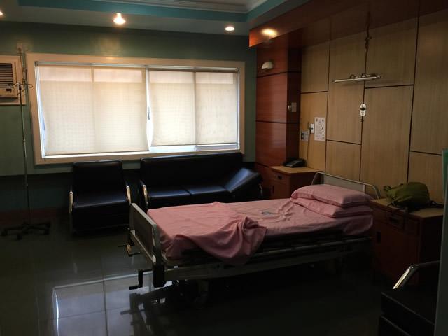 フィリピンでお世話になった病室(VIPラウンジと呼ばれる個室)