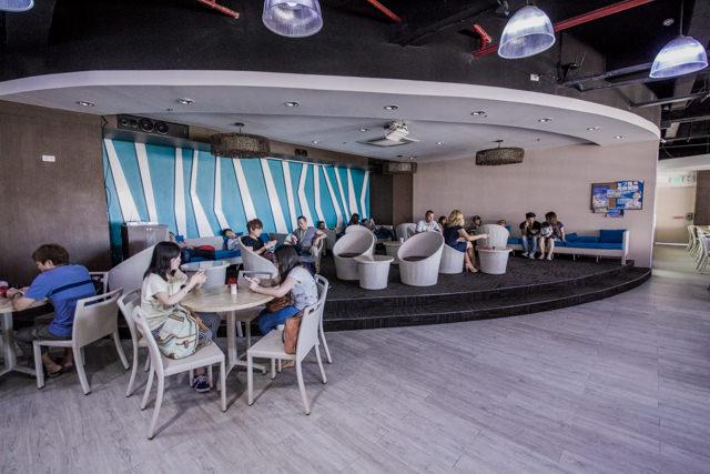 QQ ENGLISHのカフェスペース