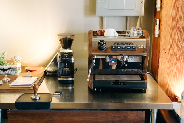 コーヒー教室で使うと思われるエスプレッソマシン