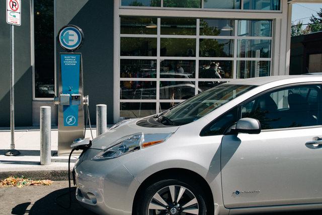 電気自動車の給電スポットもあります
