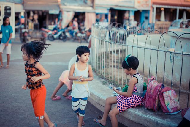 コロン島、フィリピンの子供
