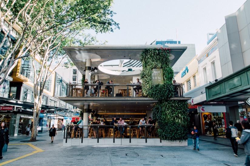 ストリートのど真ん中にあるレストラン Jimmy onthe mall