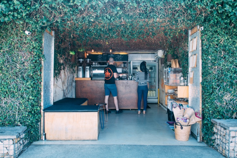 Bunker Coffee の小さな店内
