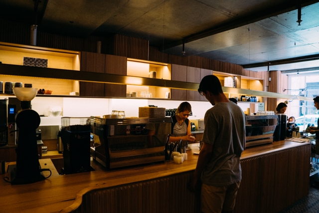 Ducks Coffee Roasters 店内の様子