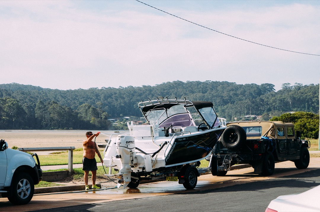 船を引いて出かける人も沢山いるオーストラリア