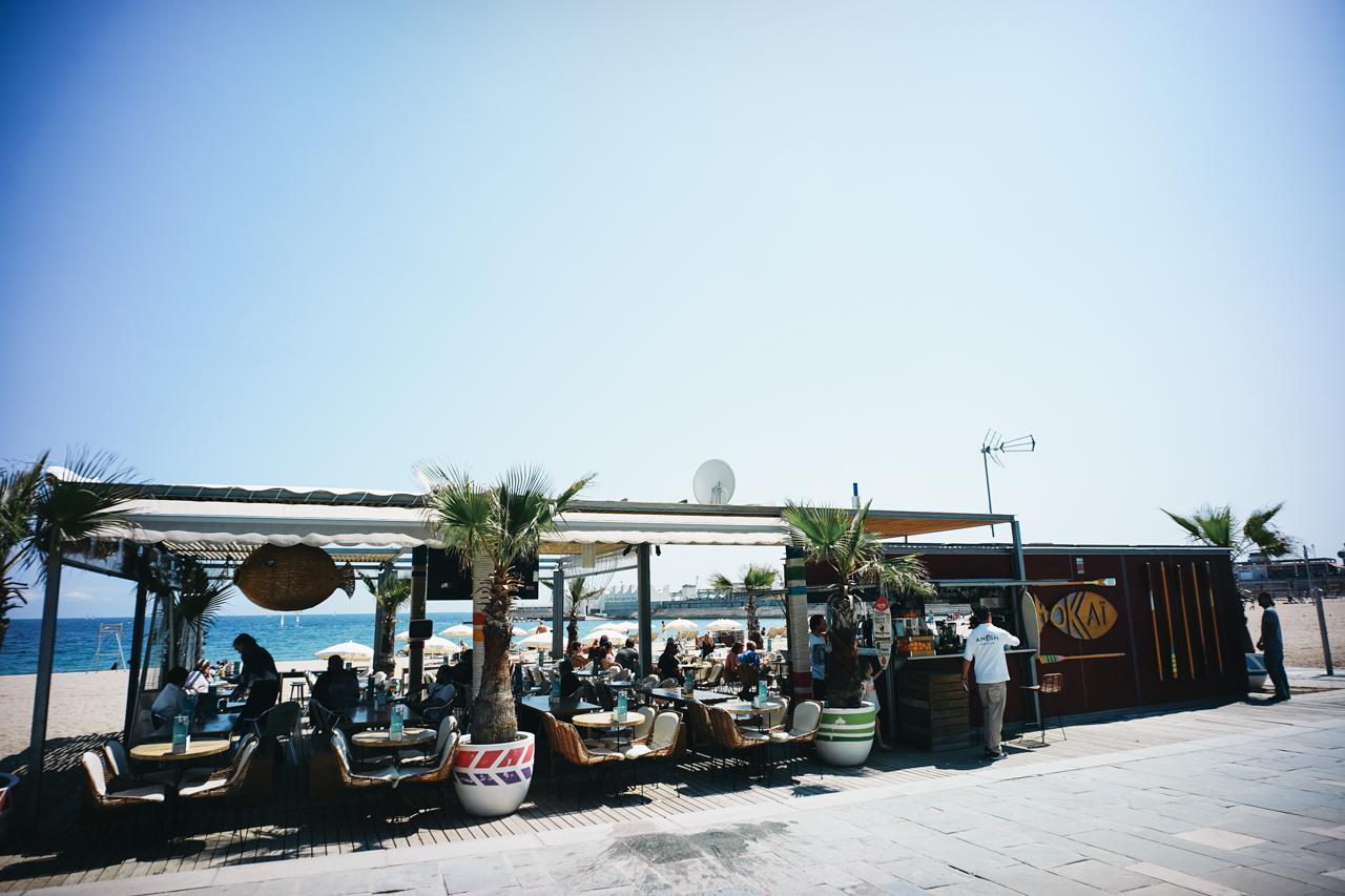 良い感じのビーチ沿いのレストラン