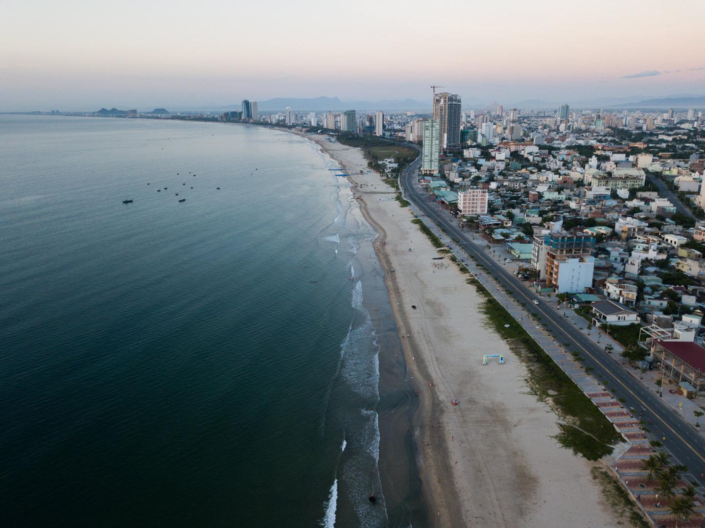 ベトナム、ダナンのビーチで空撮