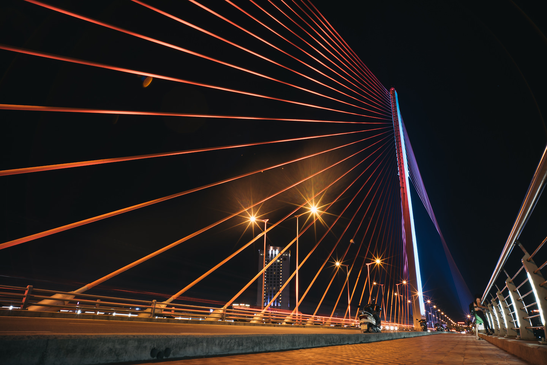 ユニークな橋が多いダナン