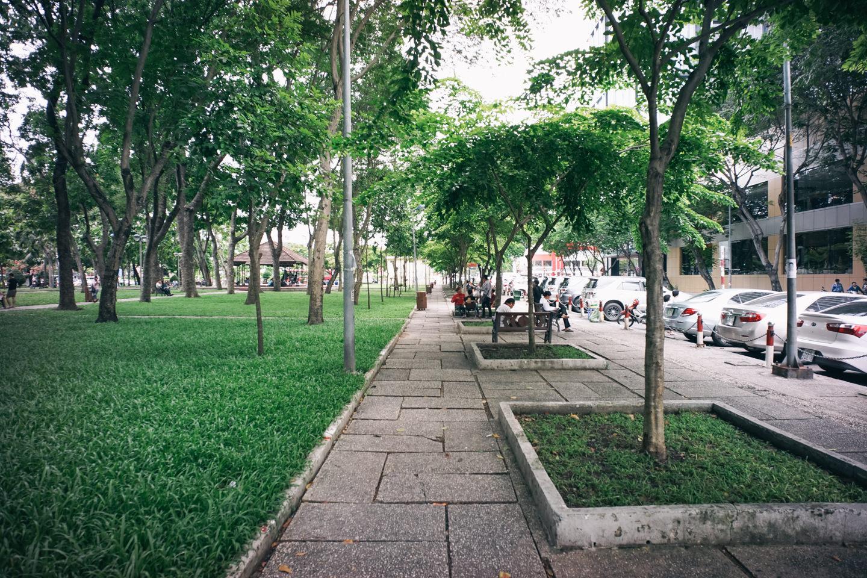 公園沿いの1区は人気の観光スポットが徒歩でいける
